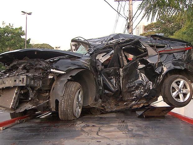 Acidente mata dois irmãos no Itaigara, em Salvador, Bahia (Foto: Reprodução TV Bahia)