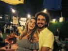 Felipe Andreoli posa com a mão na barriguinha de Rafa Brites: 'Muito amor'