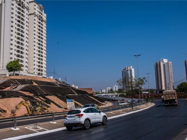 Obras de contenção foram necessárias após desmoronamentos no morro do Despraiado, em Cuiabá. (Foto: Mayke Toscano / GCom-MT)