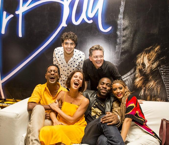 Elenco de Mister Brau: só alegria para a estreia da segunda temporada (Foto: Ellen Soares/Gshow)
