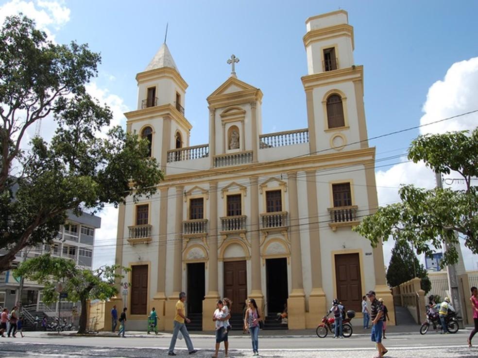 Missa de despedida de Dom Delson acontece na Catedral Nossa Senhora da Conceição (Foto: Gustavo Xavier / G1)