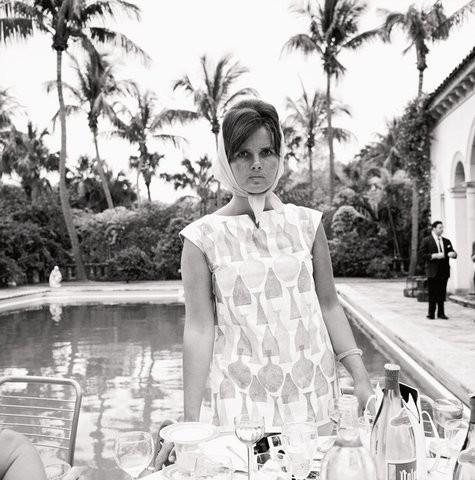 Lilly Pulitzer, Palm Beach, Florida, 1955. (Foto: Slim Aarons/Divulgação)