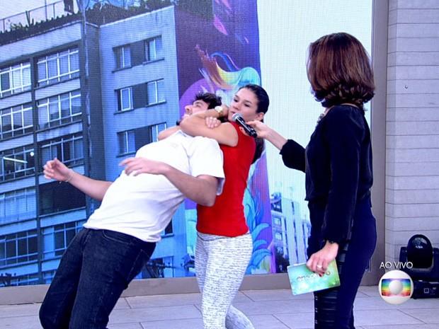 Ela não recomenda reação durante assalto (Foto: Reprodução / Globo)