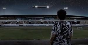 OVNI no estádio Morenão (Foto: Reprodução)