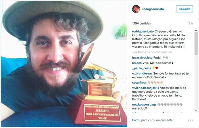 Vocalista da banda Suricato comemora chegada de Grammy Latino (Foto: Reprodução)