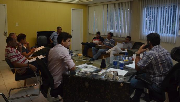 amadeu rodrigues, presidente, fpf, reunião (Foto: Edgley Lemos / GloboEsporte.com)