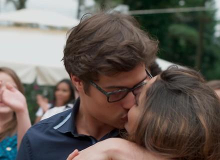 Nanda e Filipe ficam noivos