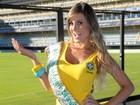 Andressa Urach usa vestido da Seleção no estádio do Boca Juniors