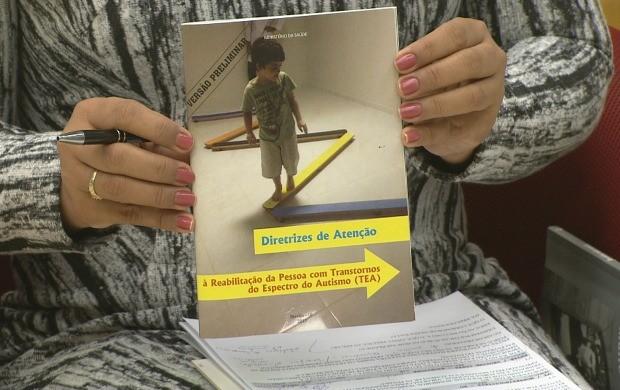 Escritora aborda trabalhos educacionais de inclusão e políticas públicas para autistas (Foto: Bom Dia Amazônia)