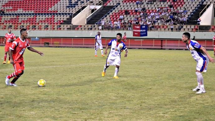 Rio Branco x Plácido de Castro, na Arena da Floresta (Foto: Quésia Melo)