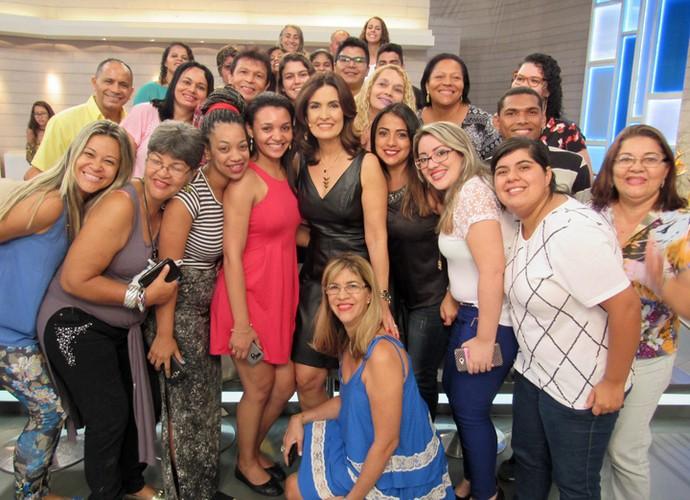 Plateia se reúne para foto com Fátima (Foto: Priscilla Massena/Gshow)
