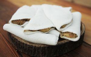Tapioca de banana com queijo coalho e rapadura