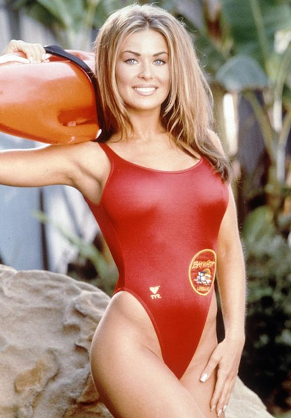 Carmen Electra em 'SOS Malibu' (Foto: Reprodução)