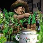 Quatro desfiles animam noite  em Joaçaba (Kleber Pizzamiglio/RBS TV)