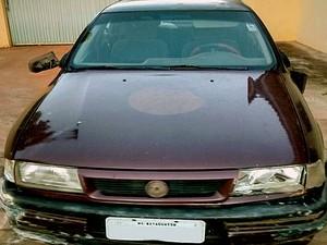 Carro foi furtado e recuperado neste domingo (30) (Foto: Polícia Rodoviária/Cedida)