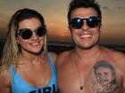 Wellington Muniz posa com Mirella Santos e mostra tatuagem da filha