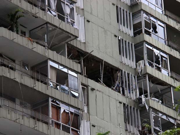 Janelas dos edifícios ficaram destruídas (Foto: Jose Lucena/Futura Pressa/Estadão Conteúdo)