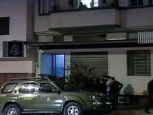 Idosa atira em assaltante em Caxias do Sul, RS (Foto: Reprodução/RBS TV)
