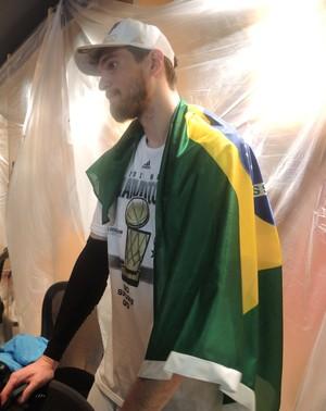 Tiago Splitter campeão NBA (Foto: David Abramvezt)