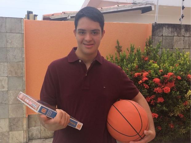Gabriel conta que está ansioso para o começo das aulas  (Foto: Andréa Tavares/G1)