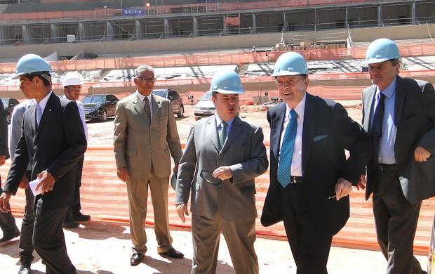 José Maria Marin visita o estádio do Mineirão obras (Foto: Tarciso Neto / Globoesporte.com)