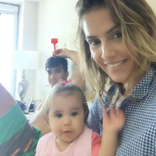 Deborah Secco, Maria Flor e Hugo Moura (Foto: Reprodução/Instagram)
