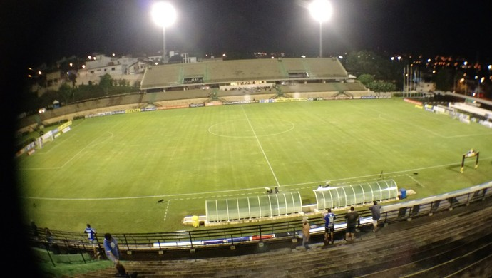 Estádio Walter Ribeiro, em Sorocaba (Foto: Emilio Botta)