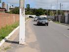 Poste instalado em rua assusta motorista na Paraíba