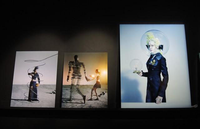 Série estrelada por Cate Blanchett na mostra de Tim Walker (Foto: Carlos Augusto Santos)