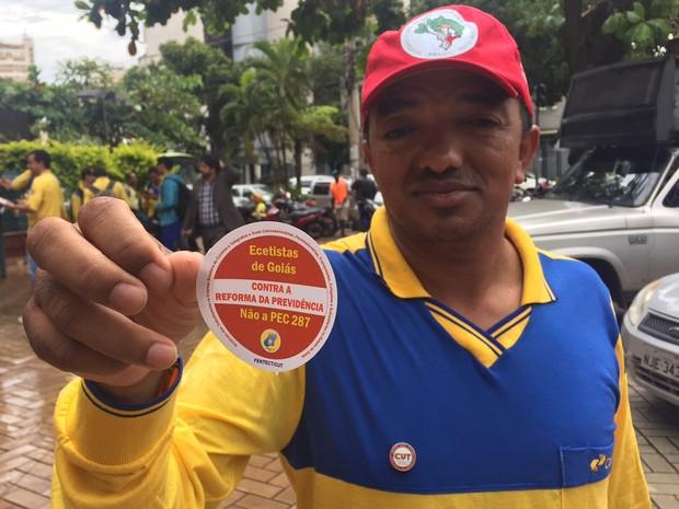 Goiânia: Carteiros também participam de protesto na Praça Cívica nesta quarta-feira (15) (Foto: Murillo Velasco/G1)