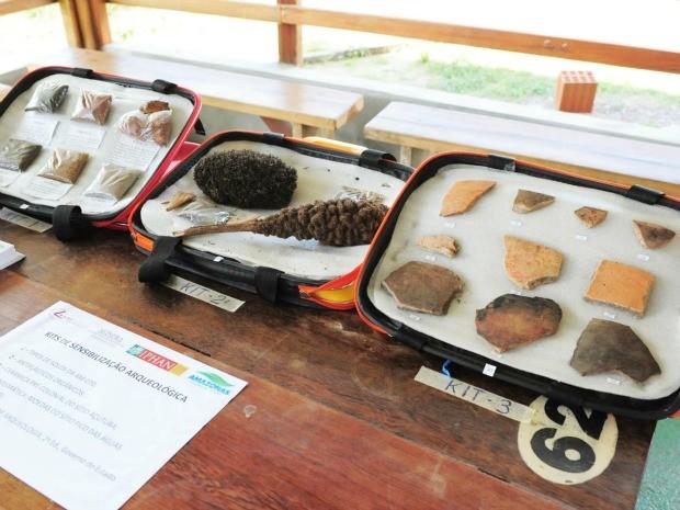 Artefatos arqueológicos coletados na AM-070 são apresentados em Mostra Itinerante (Foto: Roberto Carlos/Agecom)