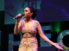Teresa Cristina fez apresentação no evento de premiação do Prêmio Educador Nota 10 (Foto: Divulgação/Lucas Conrado)