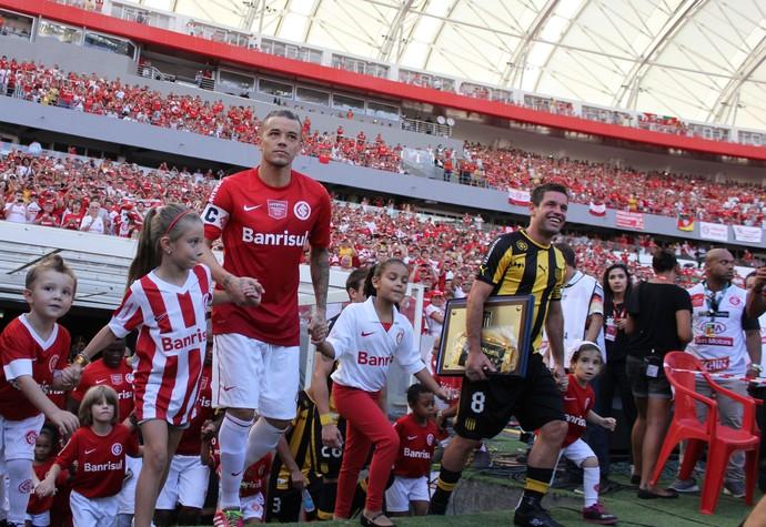 Jogadores Peñarol Inter Beira-Rio (Foto: Diego Guichard/GloboEsporte.com)
