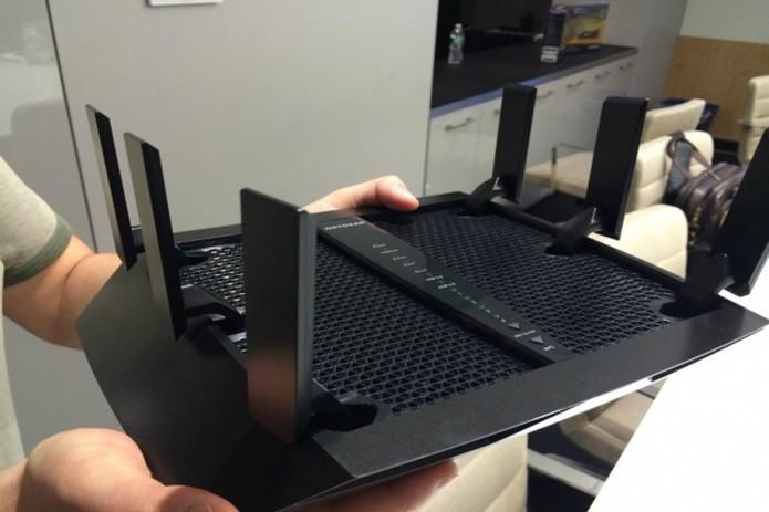 Novo roteador da Netgear tem seis antenas externas para distribuir o sinal para mais de nove aparelhos conectados no mesmo ambiente (Foto: Reprodução/Digital Trends)