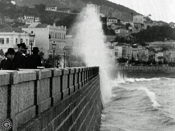 O Forte de Copacabana no início do século passado em cena do especial O Rio por Eles (Foto: Reprodução)