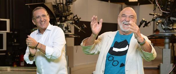 Galvão Bueno e Lima Duarte: descontração nos bastidores (Foto: Zé Paulo Cardeal/ Globo)