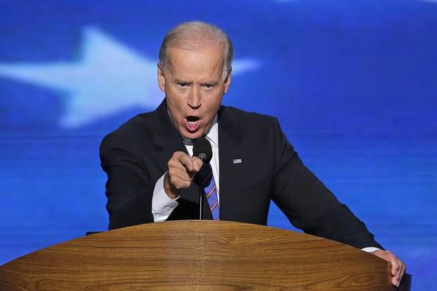 O candidato a vice, Joe Biden, em discurso que antecedeu o de Obama (Foto: J. Scott Applewhite / AP)