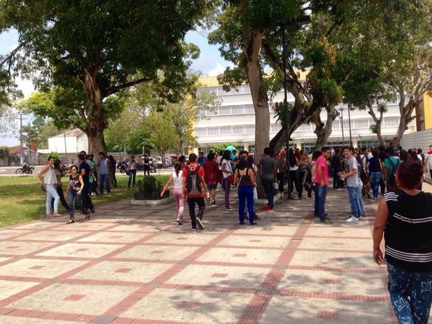 Movimentação de alunos na Universidade Paulista (UNIP), Zona Centro-Sul de Manaus (Foto: Patrick Mota/Rádio Amazonas FM)