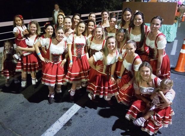 Vanessa mostrou os bastidores de desfile na Oktober (Foto: RBS TV/Divulgação)