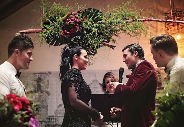 Sophia Cachia e o noivo dizem sim (Foto: Reprodução)