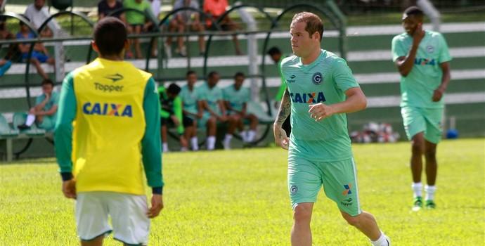 Tiago Luís - atacante do Goiás (Foto: Rosiron Rodrigues / Goiás E.C.)