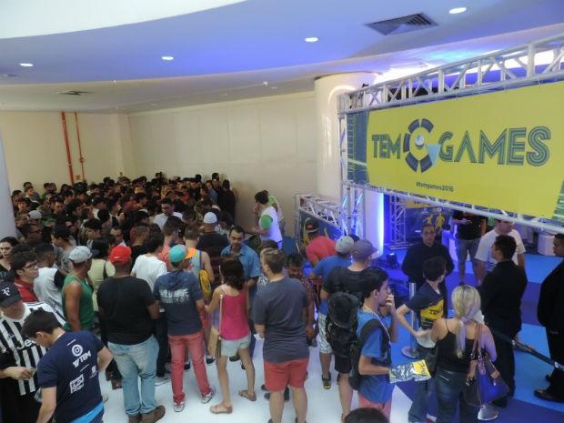 Antes do início das partidas, houve uma orientação para todos os participantes (Foto: Diogo Marques/G1)