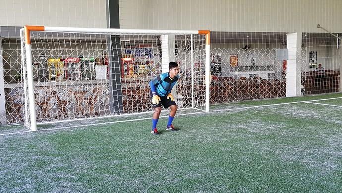 Lucão é goleiro do sub-20 do Jipa (Foto: Marco Bernardi)