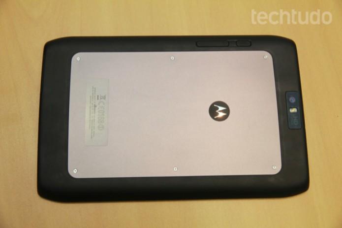 Parte traseira do Motorola Xoom 2 Media Edition (Foto: Rodrigo Bastos/TechTudo)