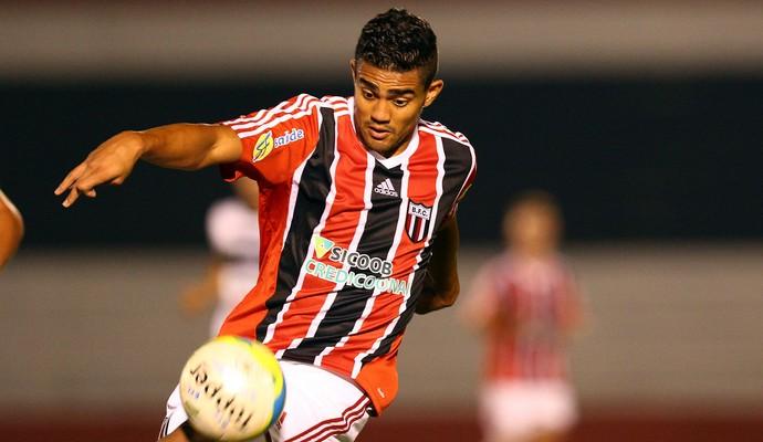 Caíque, atacante do Botafogo-SP (Foto: Thiago Calil/Ag. Botafogo)