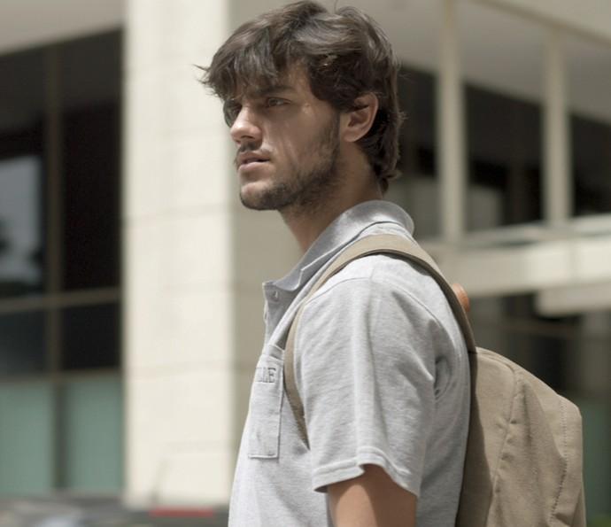 Jonatas fica desconfiado de Cassandra (Foto: TV Globo)
