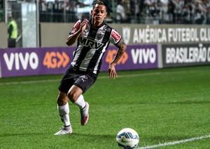 Giovanni Augusto em ação durante a partida contra o Avaí (Foto: Bruno Cantini/Flickr do Atlético-MG)