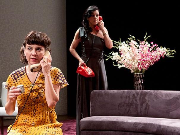Na peça, personagens vivem no período de reabertura política após a Ditadura Militar (Foto: Paula Kossatz)