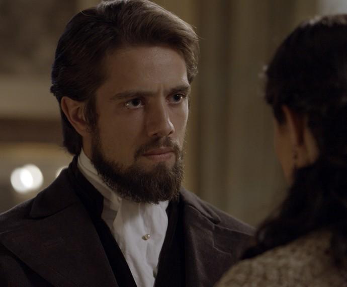 Felipe não gosta da atitude da noiva (Foto: TV Globo)