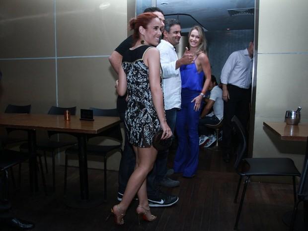 Wanessa com o marido, Marcus Buaiz, em restaurante no Rio (Foto: Clayton Militão/ Foto Rio News)
